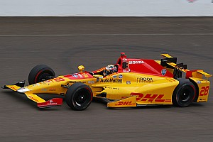 IndyCar Practice report Hunter-Reay stays top, Newgarden fastest without a tow