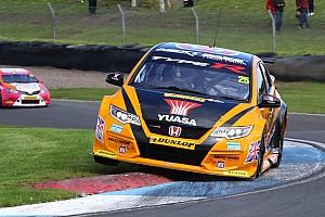 BTCC Race report Knockhill BTCC: Neal sneaks through for Race 2 win in epic battle