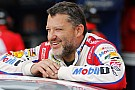 Despite stolen phone, still plenty of humor from Stewart at Homestead