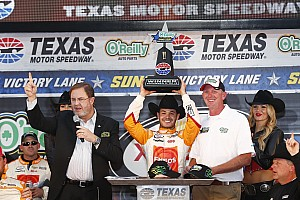 NASCAR XFINITY Race report Larson holds off Keselowski for Xfinity win at Texas