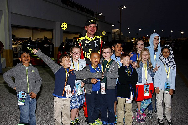 NASCAR Sprint Cup SMI tracks to offer $10 tickets for kids at Sprint Cup races in 2017