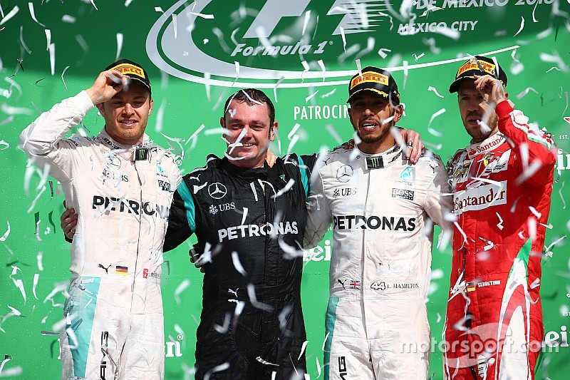 Mexican GP: Hamilton wins, Red Bulls rile Vettel in wild finish