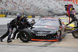 NASCAR Sprint Cup Breaking news Hamlin overcomes issues to be the Top Toyota at Bristol