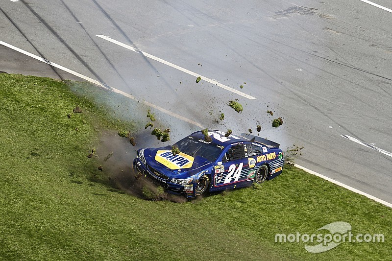 Daytona 500 pole-sitter Chase Elliott crashes out before Lap 20