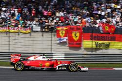 Temporada 2016 F1-chinese-gp-2016-kimi-raikkonen-ferrari-sf16-h