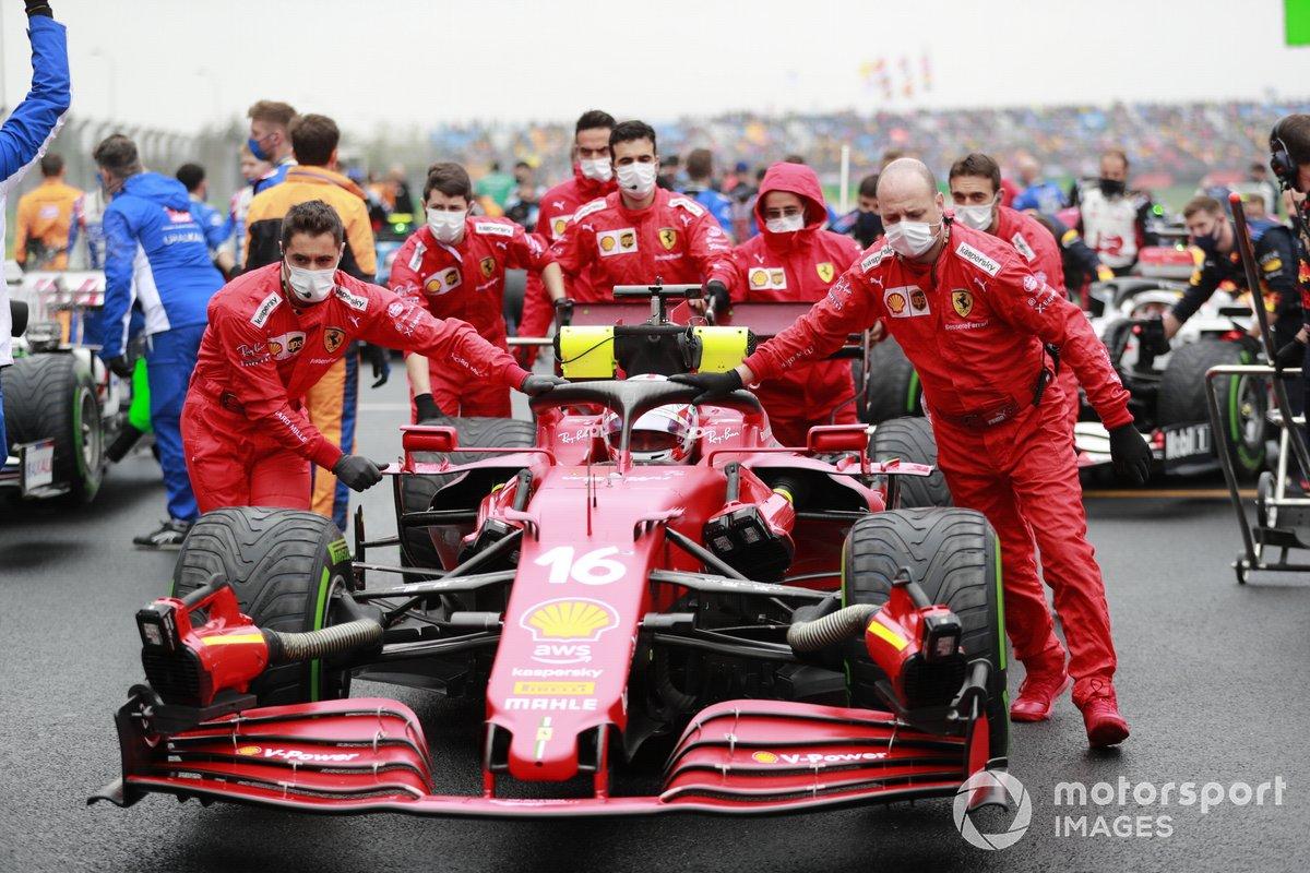 Charles Leclerc, Ferrari SF21, arrives on the grid