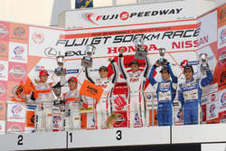 Podium GT300: race winners Kazuki Hoshino and Jann Mardenborough, Nddp Racing, second place Shinichi Takagi, Takashi Kobayashi, Autobacs Racing Team Aguri, third place, Takeshi Tsuchiya, Takamitsu Matsui, Team Tsuchiya