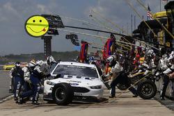 Brad Keselowski, Team Penske Ford pit action