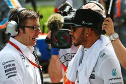Temporada 2016 F1-chinese-gp-2016-lewis-hamilton-mercedes-amg-f1-team-on-the-grid