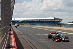 Roy Nissany, Lotus takes the win