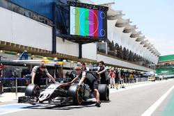 Sahara Force India F1 VJM09 of Nico Hulkenberg, pushed along the pit lane