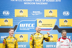 Podium: Race winner Gabriele Tarquini, LADA Sport Rosneft, Lada Vesta; second place Nicky Catsburg, LADA Sport Rosneft, Lada Vesta; third place Yvan Muller, Citroën World Touring Car Team, Citroën C-Elysée WTCC