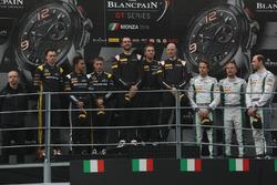 Podium: race winners Rob Bell, Côme Ledogar, Shane Van Gisbergen, Garage 59, second place Maximilian Buhk, Dominik Baumann, Jazeman Jaafar, HTP Motorsport, third place Andy Soucek, Maxime Soulet, Wolfgang Reip, Bentley Team M-Sport