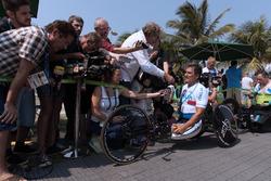 Alex Zanardi with the media