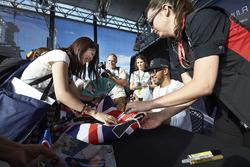 Lewis Hamilton, Mercedes AMG F1 Team signs autographs for the fans