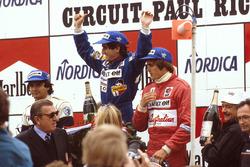 Podium: race winner Alain Prost, Renault, second place Nelson Piquet, Brabham BMW, third palce Eddie Cheever, Renault, FIA President Jean-Marie Balestre