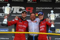 Winner Pepe Oriola, SEAT Leon, Craft Bamboo Racing LUKOIL, third place James Nash, Seat Leon Team Craft-Bamboo LUKOIL
