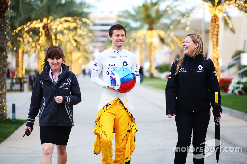 Jolyon Palmer, Renault Sport F1 Team with Aurelie Donzelot, Renault Sport F1 Team Media Communications Manager (Right)