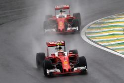 Kimi Raikkonen, Ferrari SF16-H leads team mate Sebastian Vettel, Ferrari SF16-H