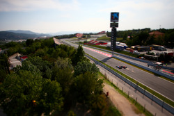 Max Verstappen, Red Bull Racing RB12 overtakes Jordan King, Manor Racing