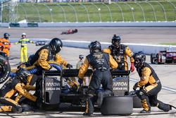 James Hinchcliffe, Schmidt Peterson Motorsports Honda, pit action