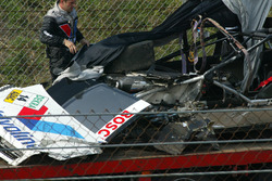 The heavily damaged car of Peter Dumbreck, OPC Team Phoenix, Opel Vectra GTS V8, after crashing hard into the tyre barriers at the exit of the Arie Luyendijk corner