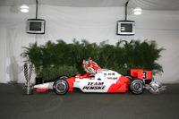 IndyCar Photos - Race winner Helio Castroneves