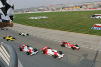 IRL: Wheldon chases first title with Chicagoland win