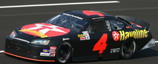 Montoya lands on podium in stock car debut
