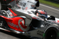Alonso flies to Italian GP pole position