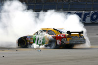 Kyle Busch wins wild Talladega race