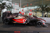 Hamilton and Kovalainen uncover McLaren MP4-24