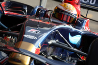 Skies brighten, hasten F1 testing