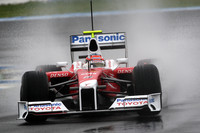 Glock, Toyota top wet test in Jerez