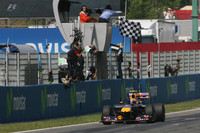 Webber dominates the Spanish Grand Prix