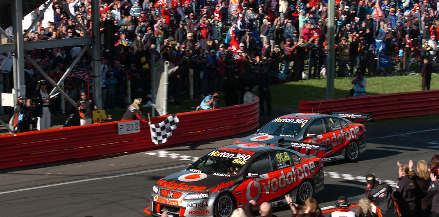 Lowndes and Skaife claim another Bathurst 1000 title