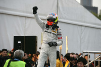 di Resta takes title as Paffett wins in Shanghai