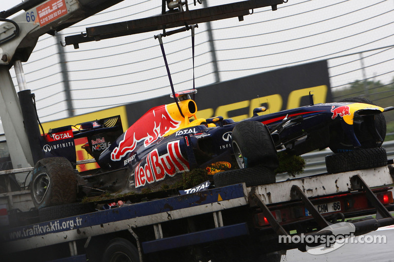 Vettel crash provides front wing flex clue - report