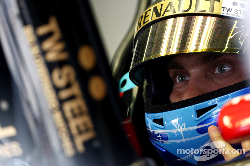 Lotus Renault Spanish GP Friday Practice Report