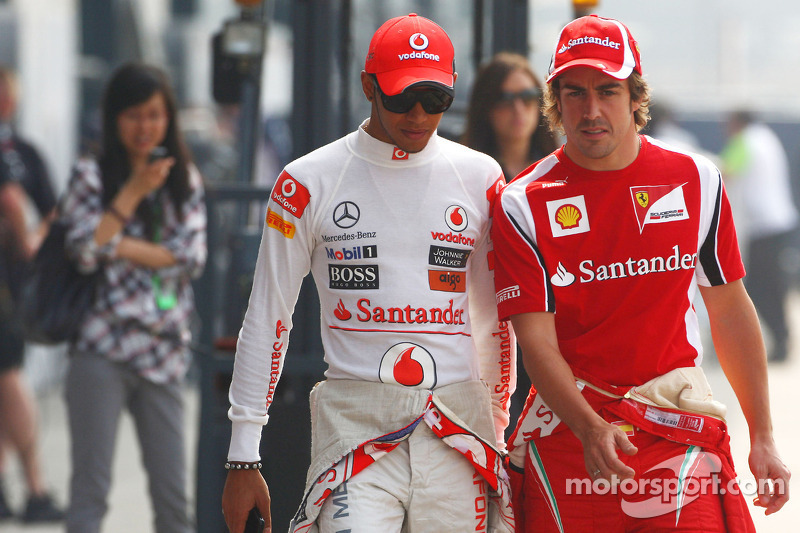 Alonso is in charge at Ferrari - Hamilton