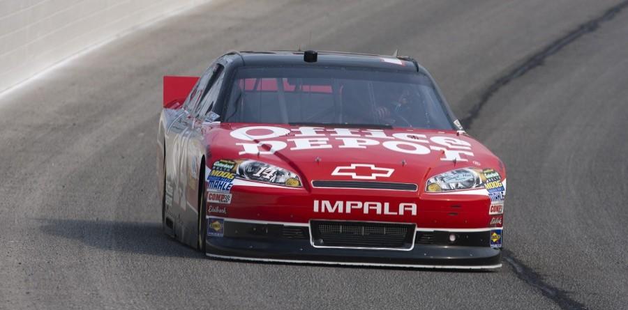 Stewart takes 3rd at Atlanta Cup race