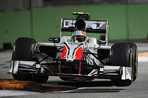 Kerbs fixed for Singapore night race - FIA