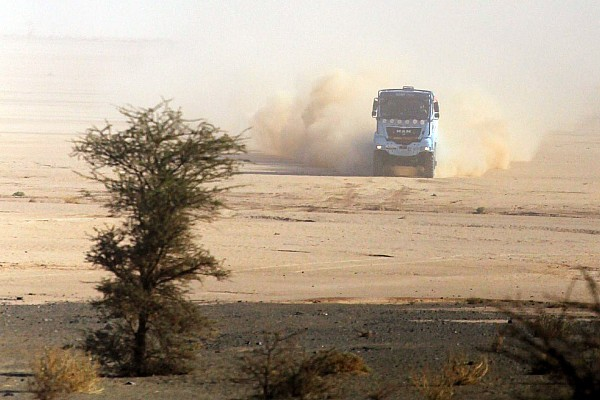 Leader status remains the same in Africa Eco Race fourth stage