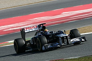 Formula 1 Maldonado sets fastest lap on third day of testing in Barcelona
