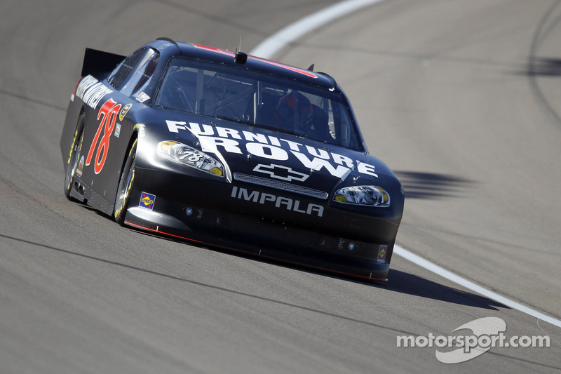 Smith finishes strong in Las Vegas race