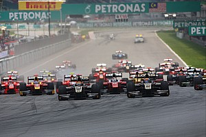 Lotus GP teammates dominate Sepang sprint race
