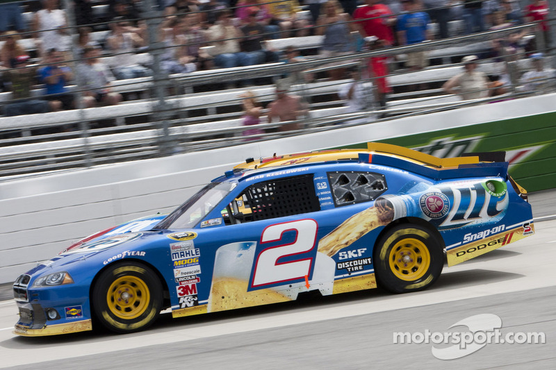 Keselowski takes 9th place at Martinsville