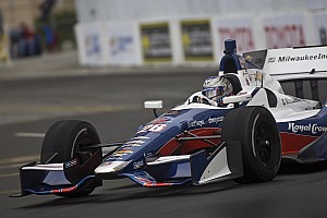 Andretti leads the way on cold wet day of practice in Long Beach