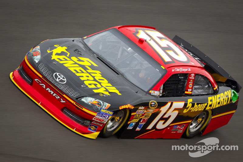 Clint Bowyer has extra incentive to do well at Kansas Speedway