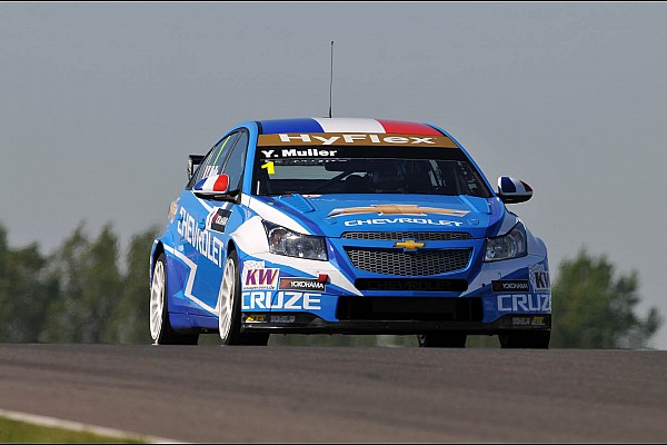 Muller leads Chevrolet to the pole at the Hungaroring